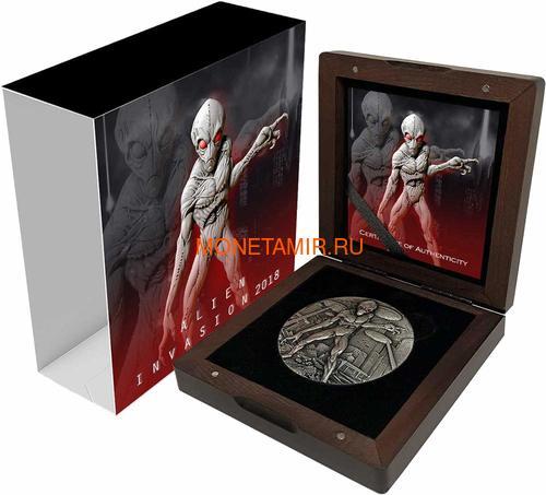 Чад 10000 франков 2018 Вторжение Инопланетян НЛО Космос (Chad 10000 Francs 2018 Alien Invasion Swarovski UFO 2oz Silver Coin).Арт.001069457845/65 (фото, вид 3)
