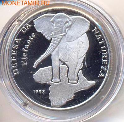 Слон. Гвинея-Бисау 10000 песо 1993. (фото)